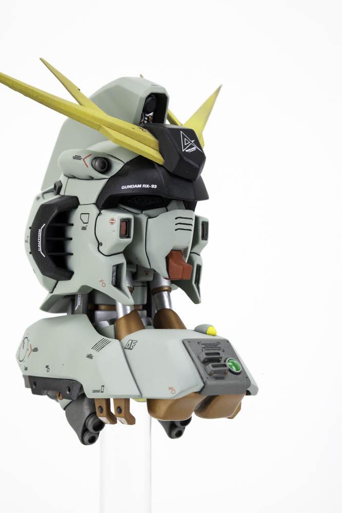 Nu Gundam Head - 007.jpg