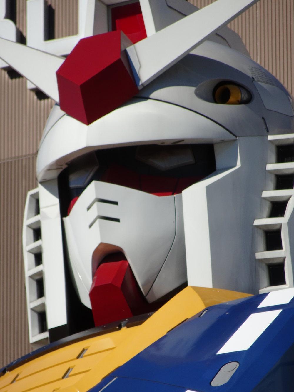 RX-78-2 Gundam 1-1 Statue - 004.jpg