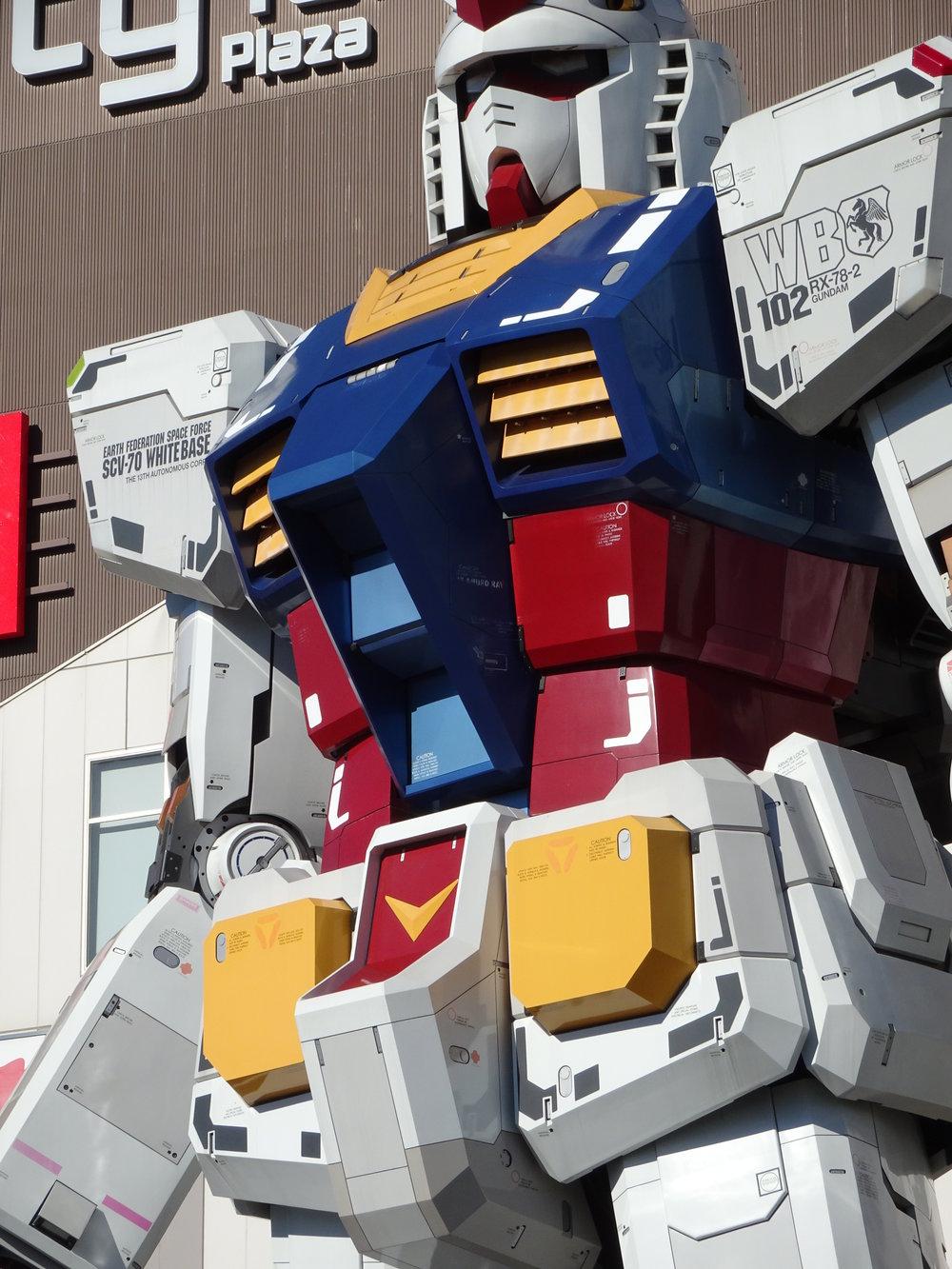 RX-78-2 Gundam 1-1 Statue - 007.jpg