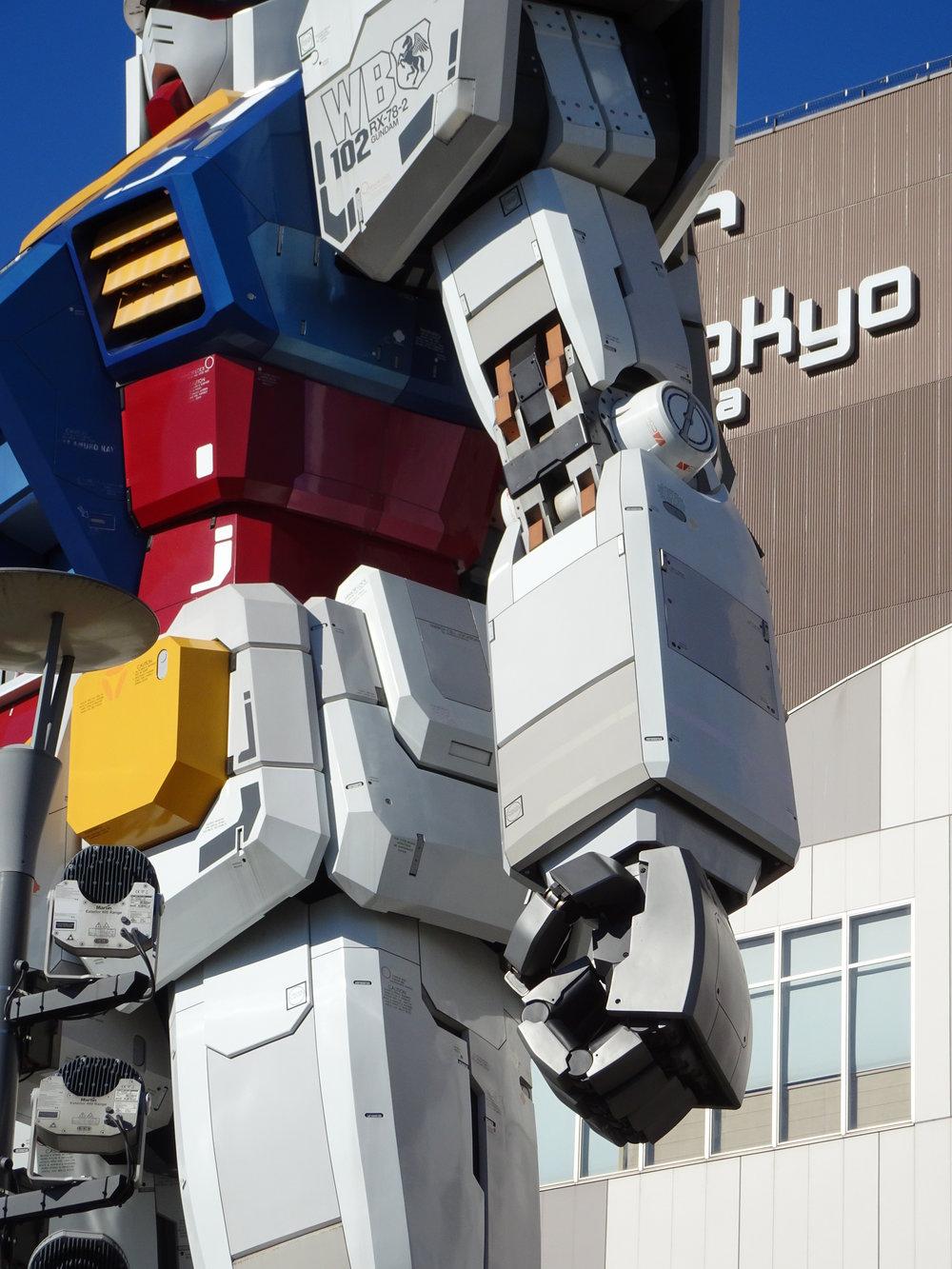 RX-78-2 Gundam 1-1 Statue - 010.jpg