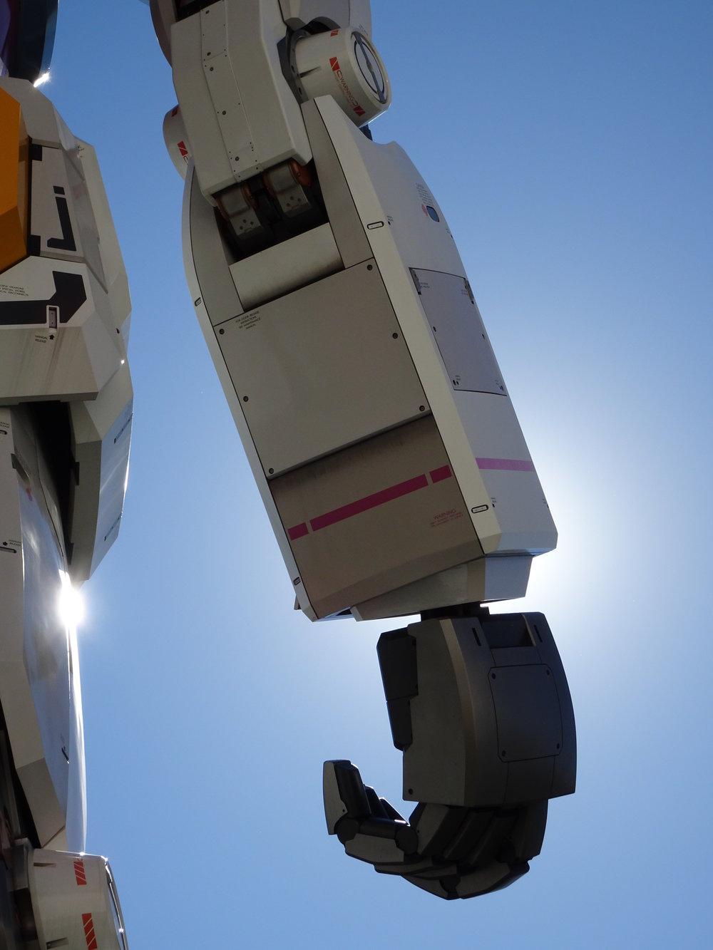 RX-78-2 Gundam 1-1 Statue - 046.jpg