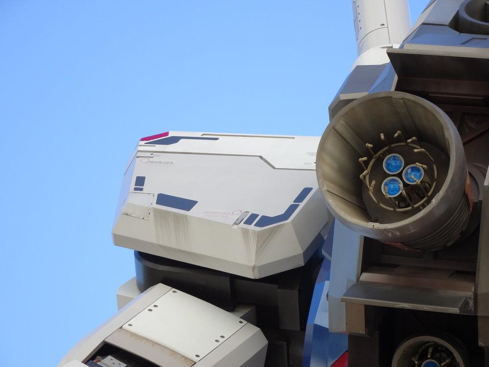 RX-78-2 Gundam 1-1 Statue - 059.jpg