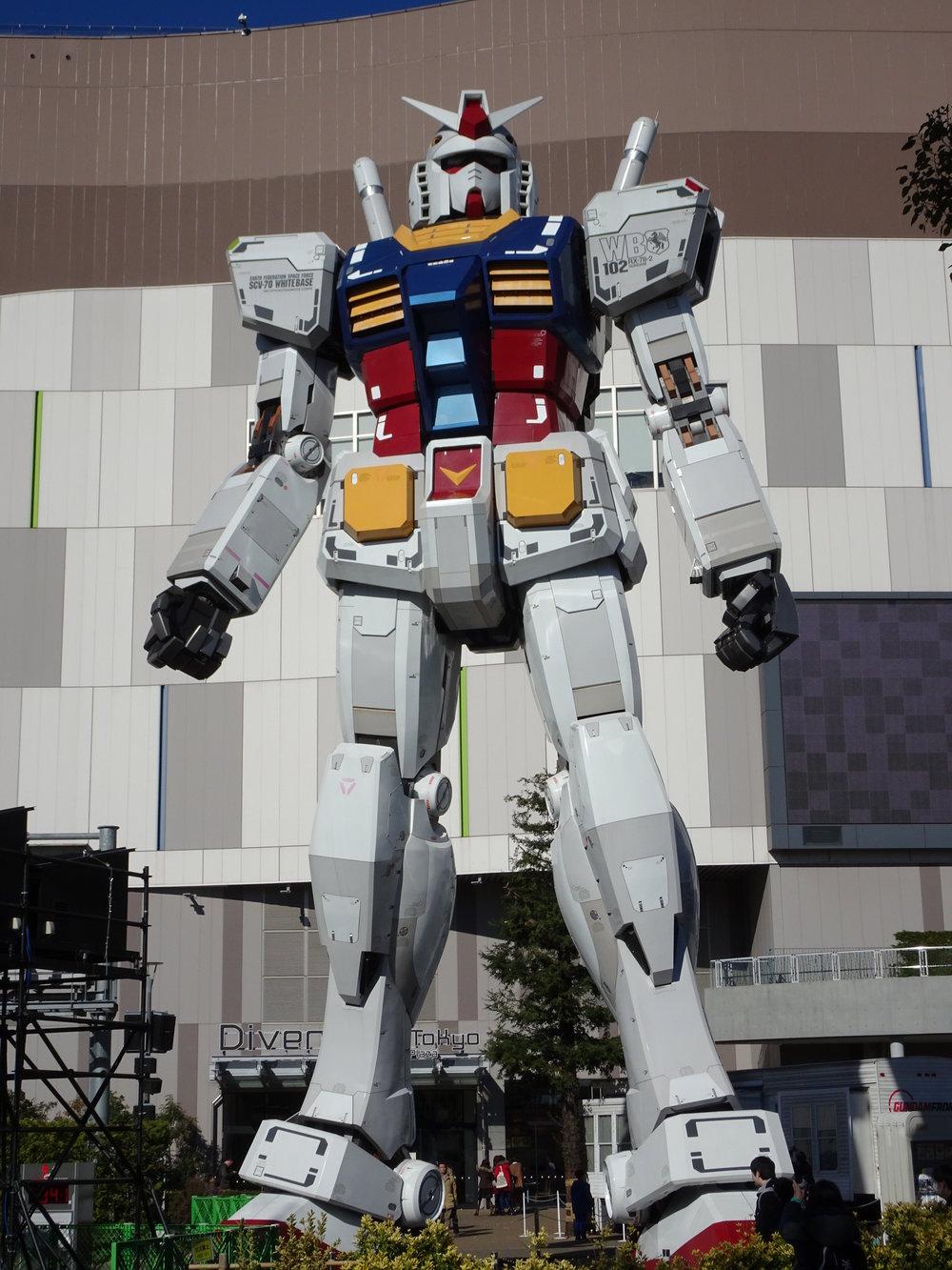 RX-78-2 Gundam 1-1 Statue - 070.jpg