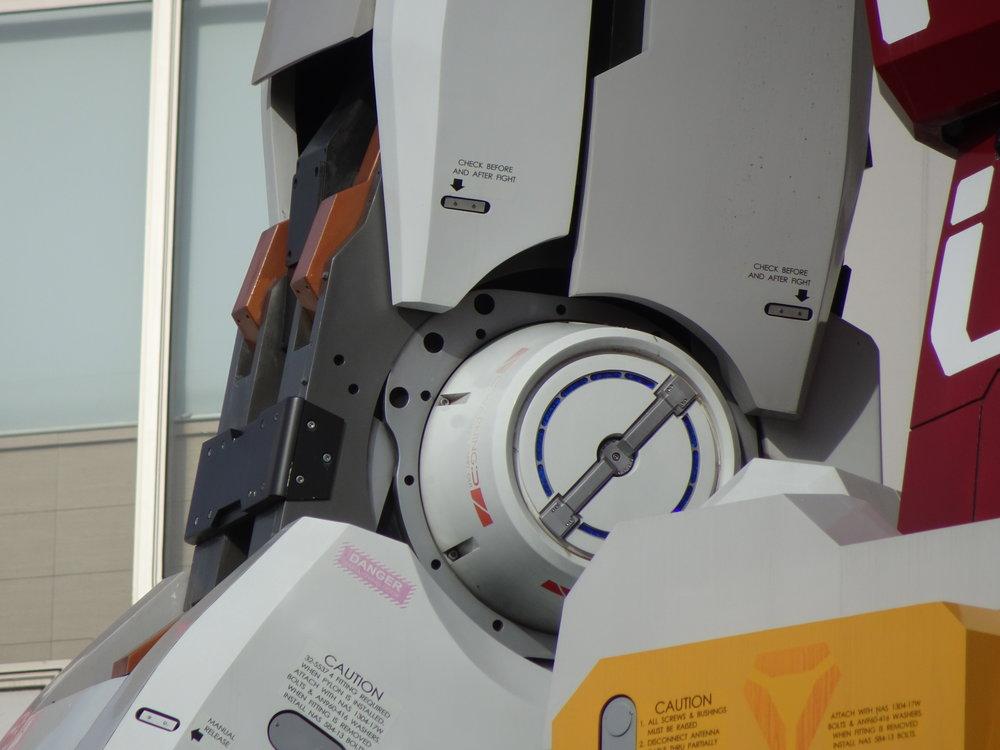 RX-78-2 Gundam 1-1 Statue - 086.jpg