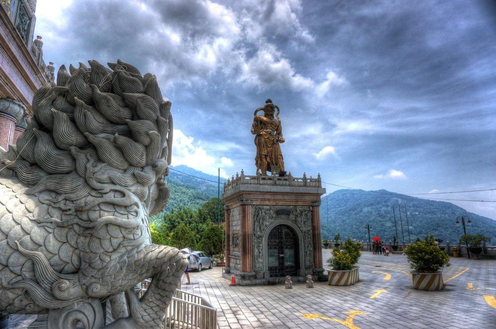 malaysia temple 3.jpg