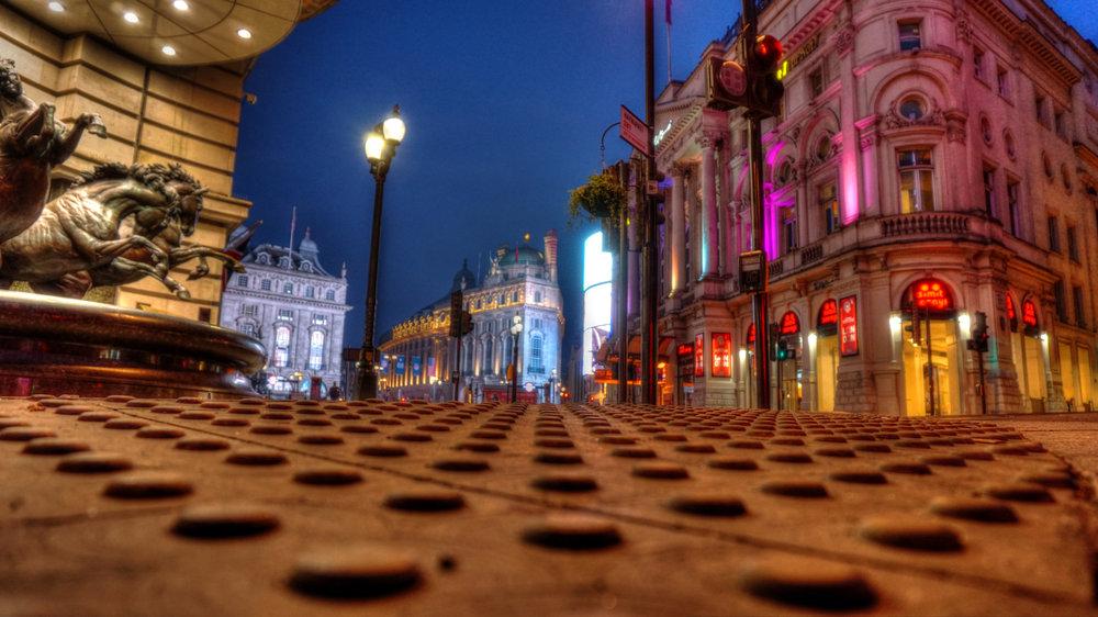 londonpiccadiilynight2.jpg