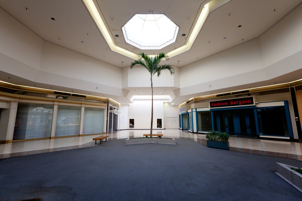 06 Jamestown Mall 01.jpg