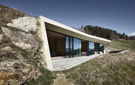 Dwelling by Pavol Mikolajcak Architekt
