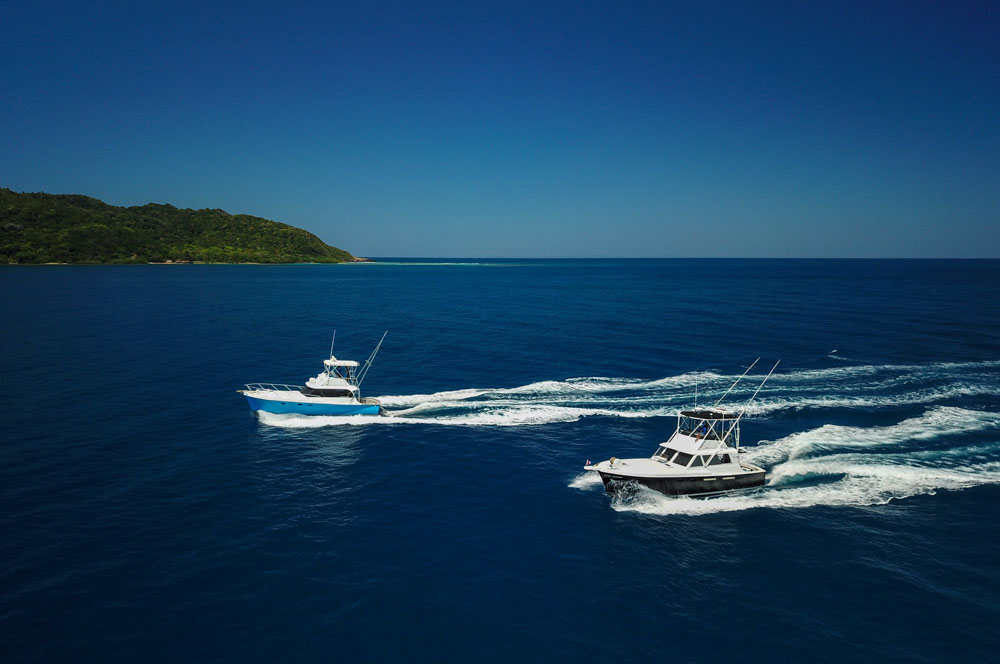 Ruthless  and  Reel Action  off the shores of Roatan