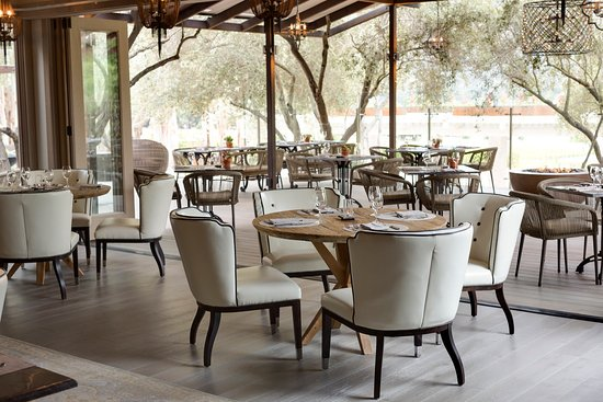 lucia-restaurant.jpg