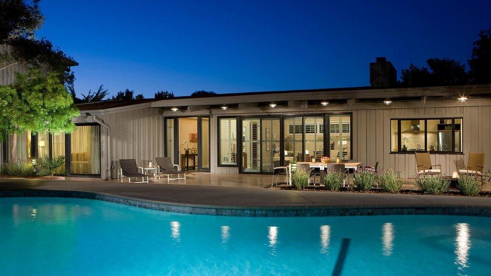 hyatt-regency-monterey-hotel-and-spa-main-pool.jpg