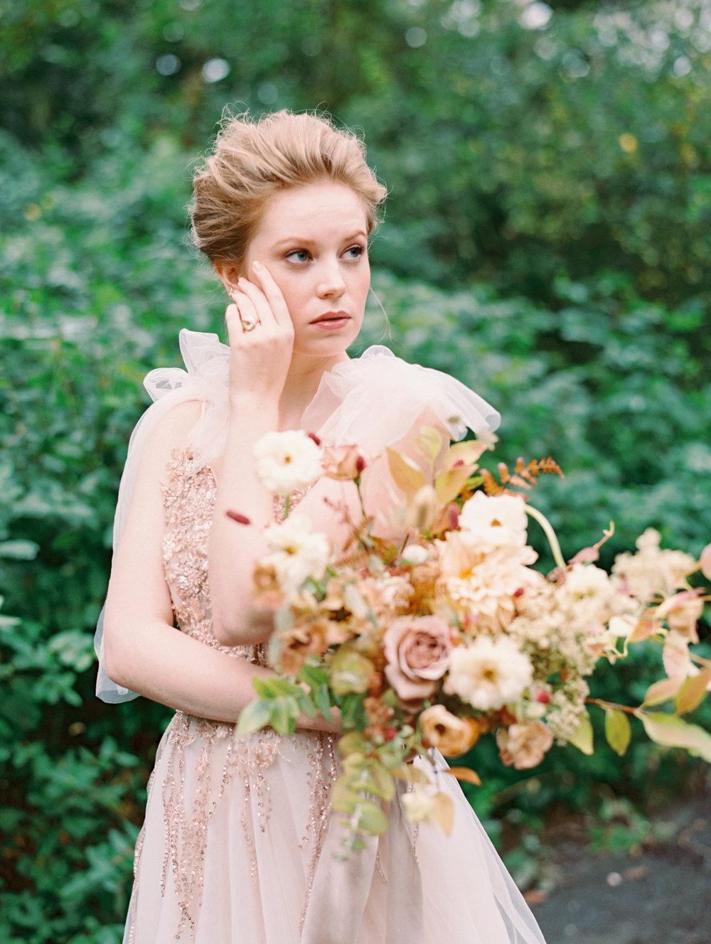 kelsandmichael_bridaleditorial_harvestelopement-22.jpg