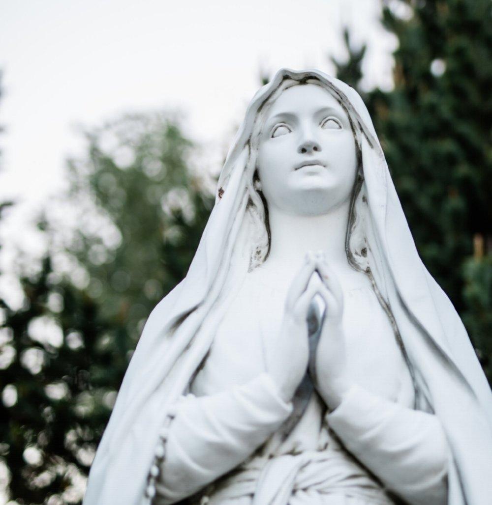 praying statue.jpg