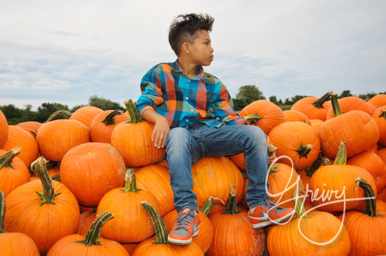 Greivy.com Hamptons Pumpkin Picking - 10.png
