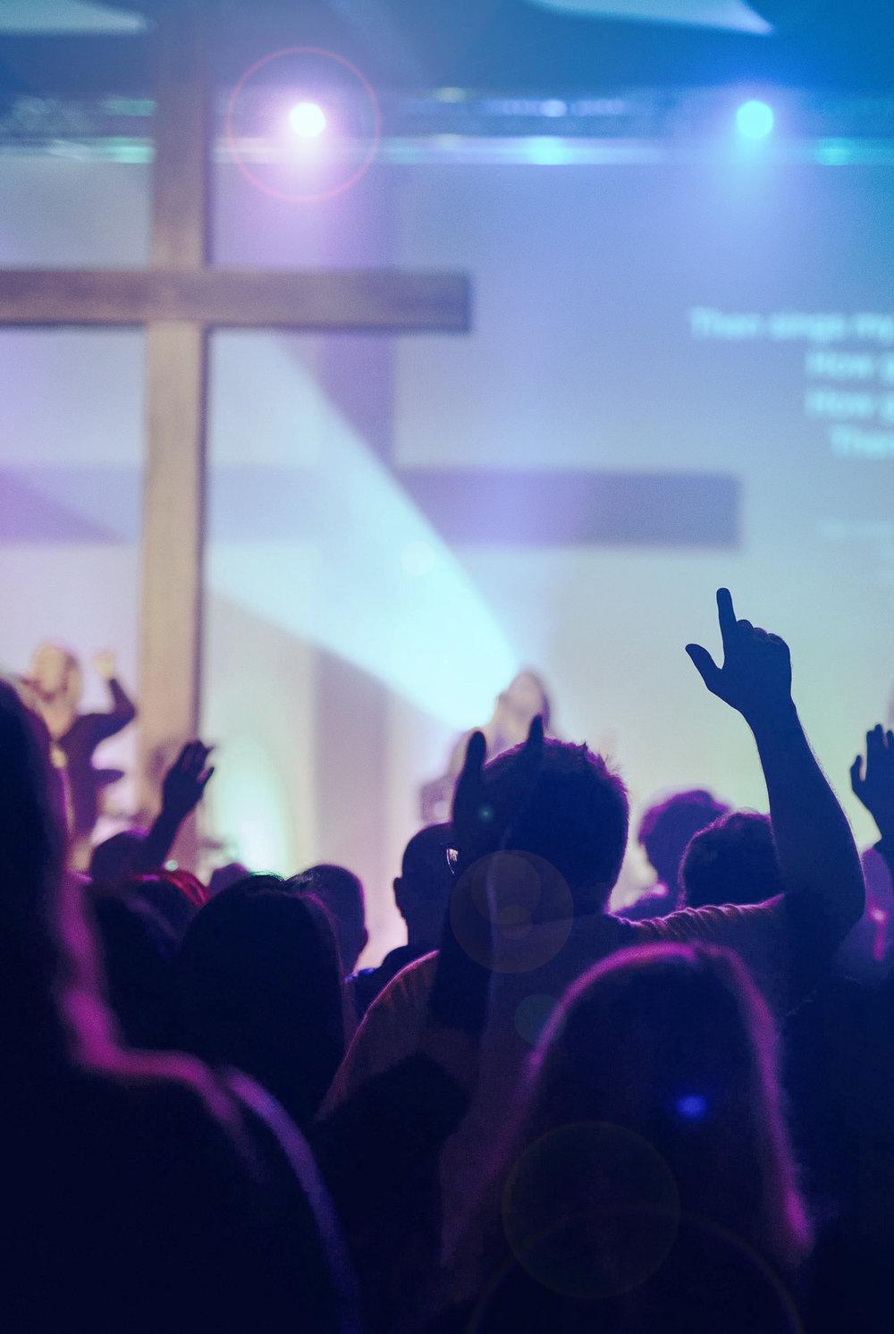 Wij zijnOPEN. - Een kerk die open isvoor God en onze omgeving,en open staat voor jou.