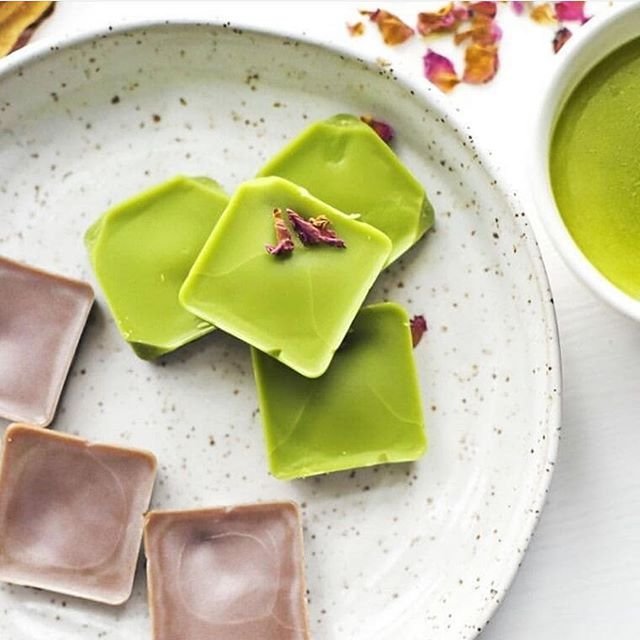 There are so many ways to enjoy Matcha! @theflorestic created this amazing rose matcha latte squares with Odd Tea's ceremonial Matcha. Visit her IG for this delicious and healthy recipe! (Bonus: requires only few simple steps!)