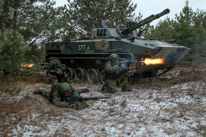 BMD-4M kan luftlandsättas med besättning och skyttesoldater i, och vara redo för strid omedelbart. Foto: Thaimilitary