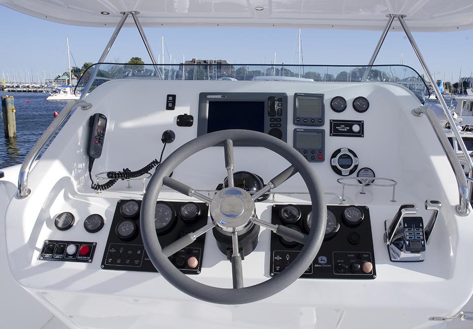 YachtInstrumentPanel_20111016_1464.jpg