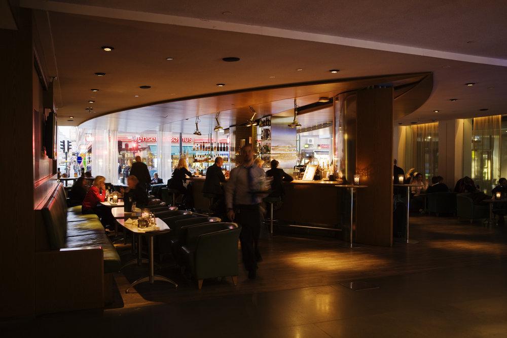 Lobbybaren från restaurangen 2.jpg