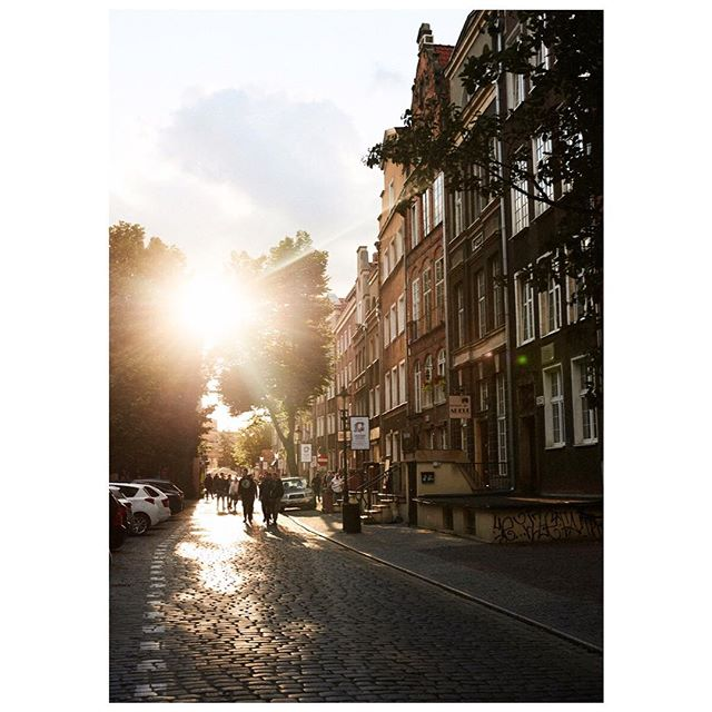 gdansk 💛 one of the most beautiful cities we've ever seen #poland #gdansk #rallydiary #goodnight ✨