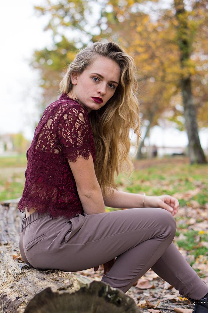Haut-dentelle-rouge-blog-mode-bordeaux-6