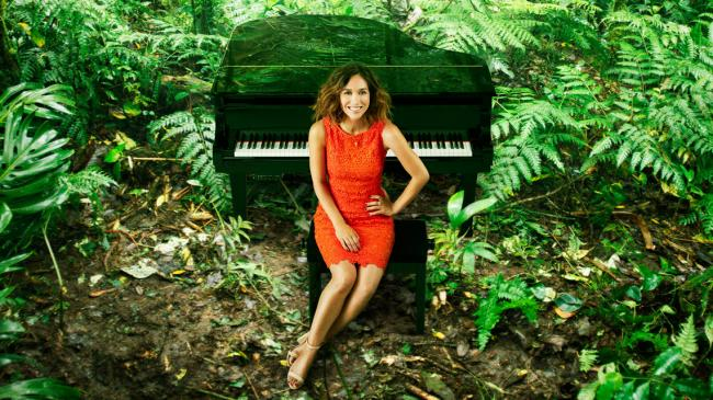 SINGING IN THE RAINFOREST -