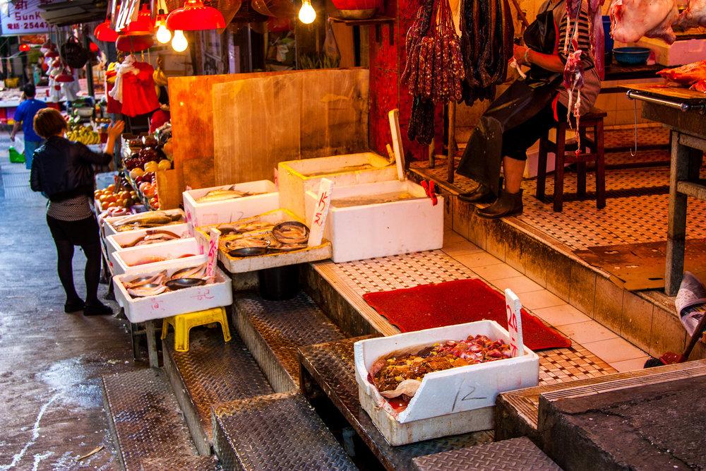 Fresh fish for sale in a Hong Kong market (Image: Flickr/Mojobaron )