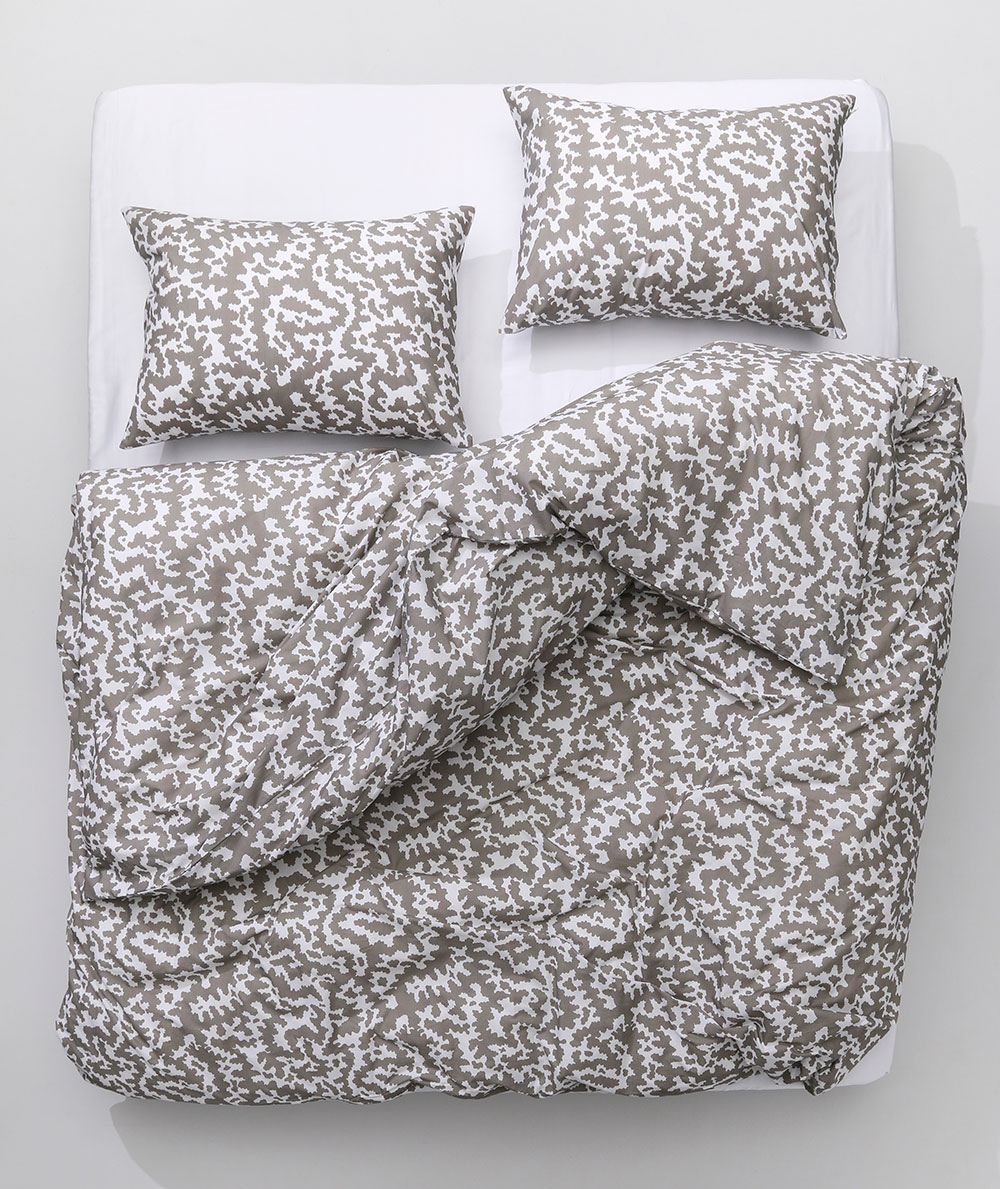 ZigZagZurich-CoopDPS-AFRICA-taupe-Duvet-Cover-02.jpg