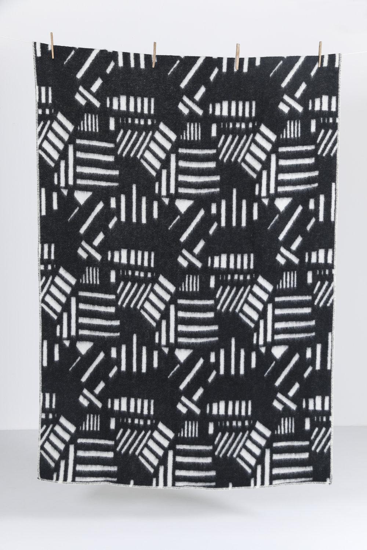 ZigZagZurich CoopDPS Wool Blanket BRAZIL 01.jpg