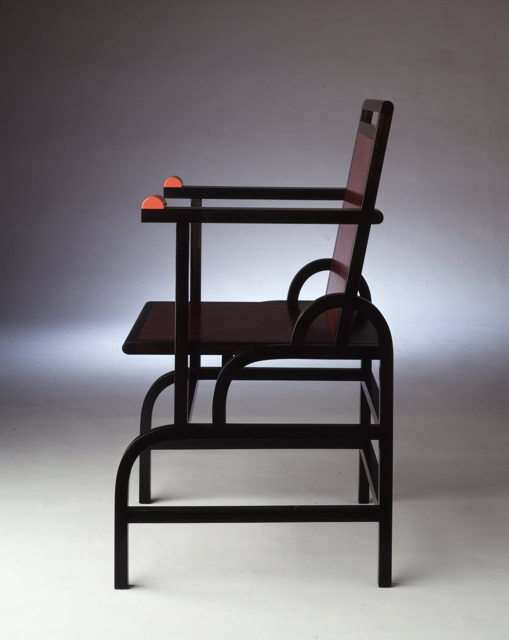 - Memphis_Gloulester_Sidechair_Photos(02).jpg