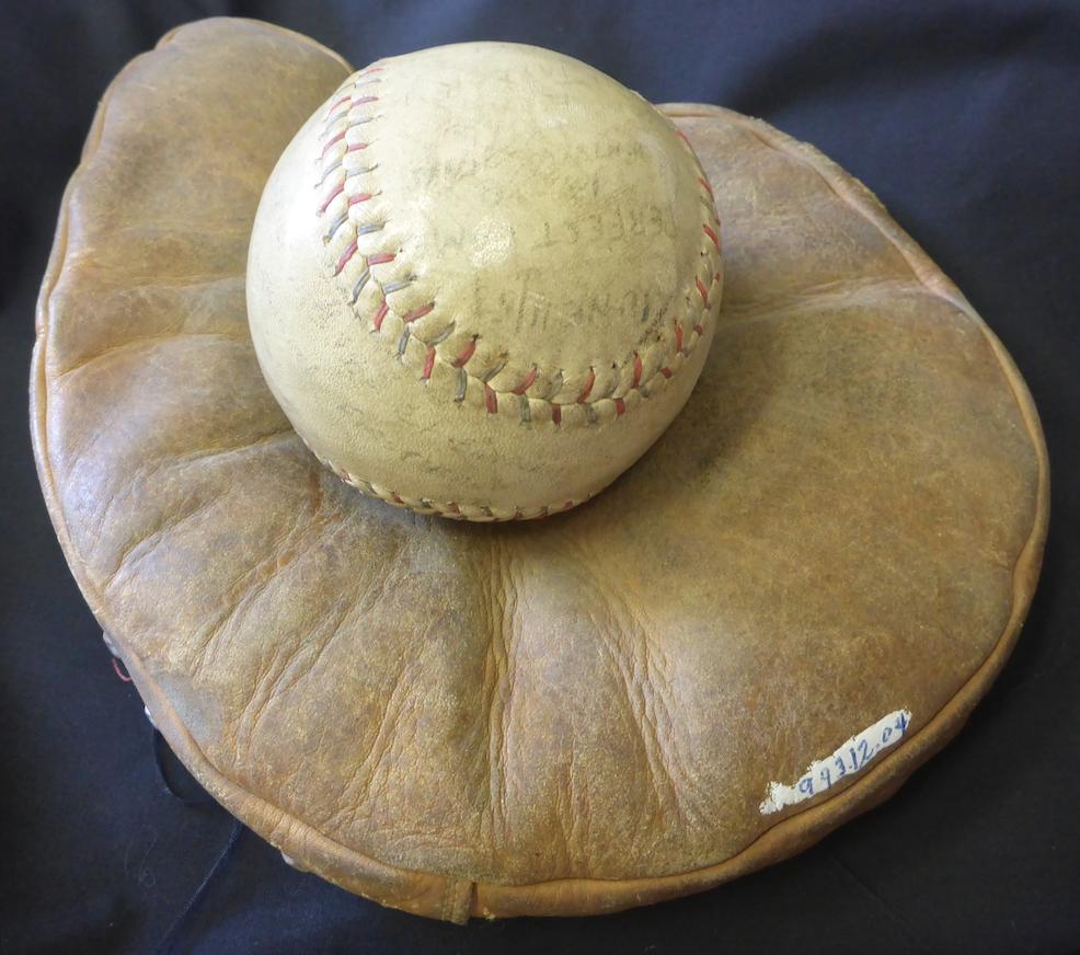 Baseball Glove copy.png