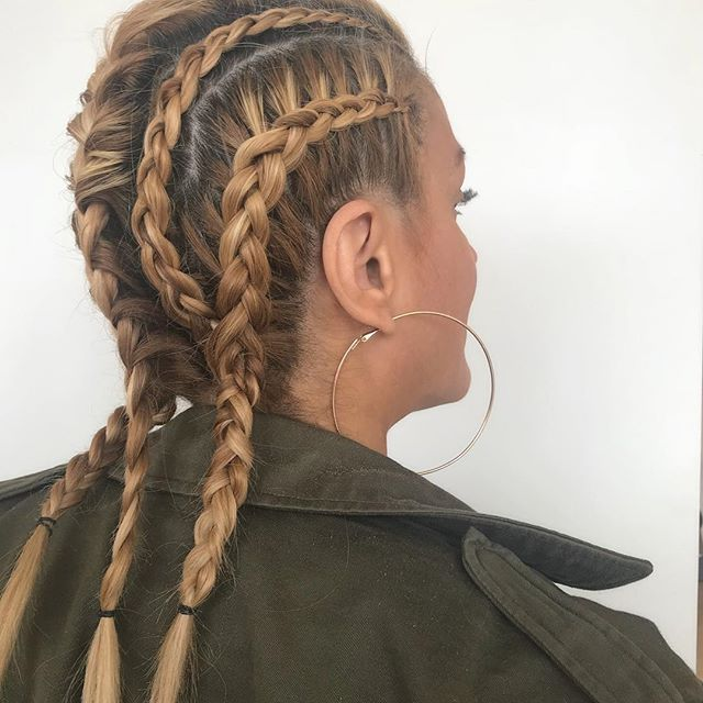 Festival season is upon us Chicago!  Are you ready???🌟🌟🌟 braided by @catherines_mane_attraction . . . . . . . . . . . . #braids #chicagohair #chicagostylist #lalapalooza #bohostyle #chicago #hair #hairstyle #love #😍 #fugacentro #nofilter #instagood