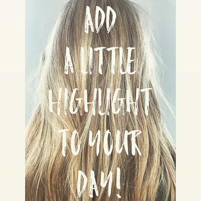What's the highlight of your day??? Stay bright with @fugacentro on this gloomy day! ☀️☀️☀️ . . . . . . . . . . #fugacentro #highlights #chicagohairstylist #chicagosalon #chicago #gloomyday #staybright #haircolor #blondeme #schwarzkopf #colored by @jw_haircreations #mileniumpark #bright