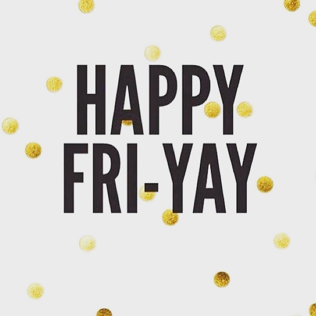 Happy Friday!!! Come get ready for the weekend with us @fugacentro 🎉 Took book appointments follow Link in Bio——  .  #chicagohair #chicago #milleniumpark #hair #chicagosalons #hairsalons #chicagostylist #fugacentro #michiganave #chicagocolorist #love #weekend #friyay #yay