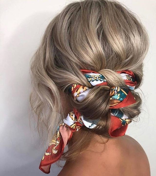 Scarves are what's on trend for fall hair this year, what are your thoughts? Yea or Nae? . . . . #chicagostylist #chicagosalon #repost #falltrends #obsessed #chicagohairstylist #chicago