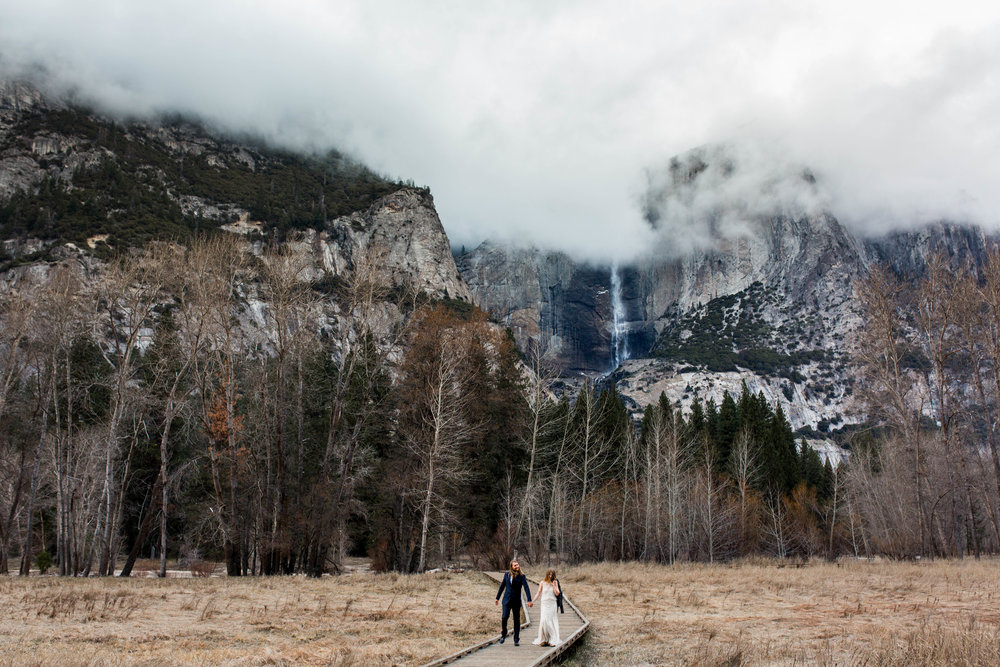Nicole-Daacke-Photography-Adventurous-Elopement-Intimiate-Wedding-Destination-Wedding-Yosemite-National-Park-Laid-Back-Love-Photographer-10.jpg