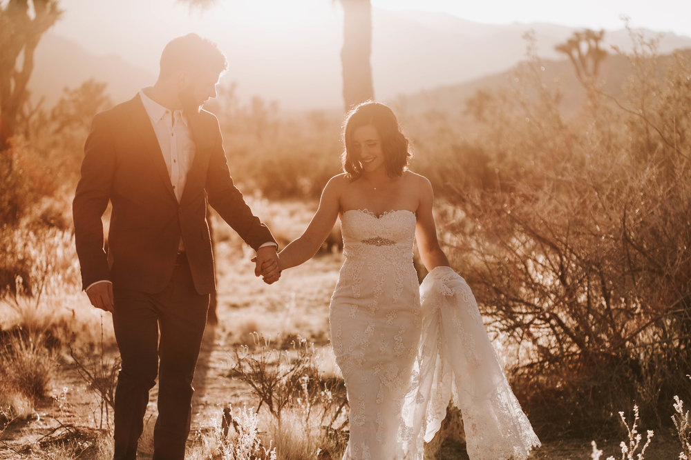 Nicole-Daacke-Photography-Adventurous-Elopement-Intimiate-Wedding-Destination-Wedding-Joshua-Tree-National-Park-desert-golden-Love-Photographer-5.jpg