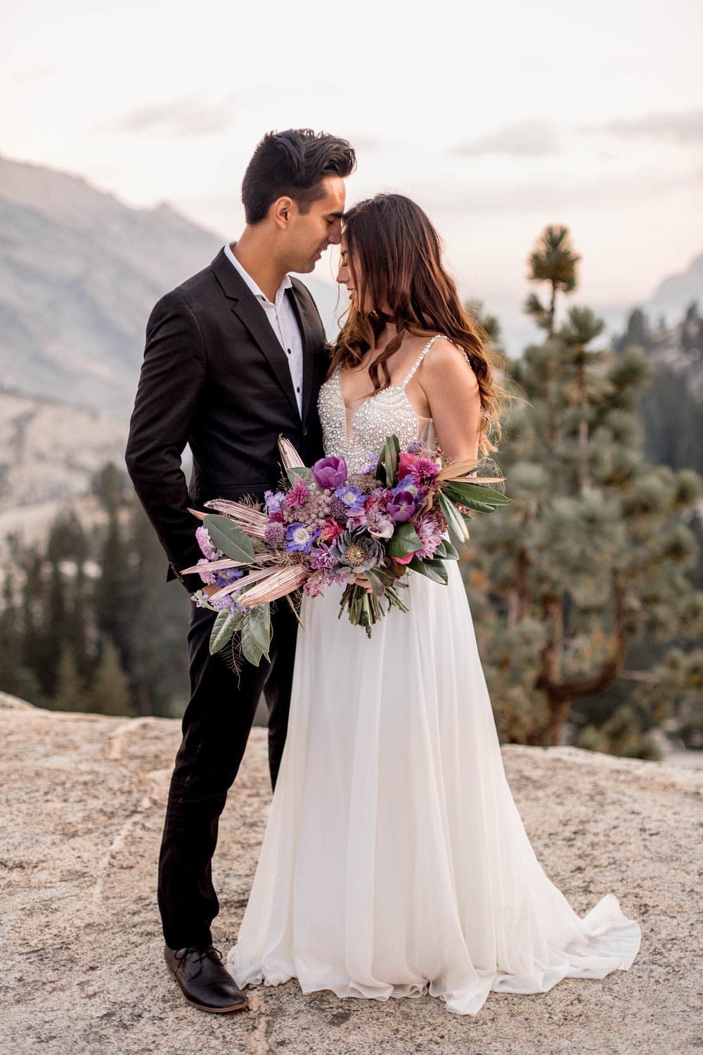 Nicole-Daacke-Photography-Yosemite-Aventurous-Elopement-Photographer-Photography-Authentic-Glam-Love-National-Parks-3.jpg