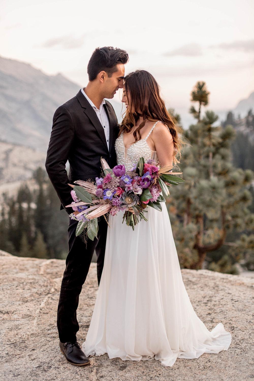 Nicole-Daacke-Photography-Yosemite-Aventurous-Elopement-Photographer-Photography-Authentic-Glam-Love-National-Parks-3.jpg