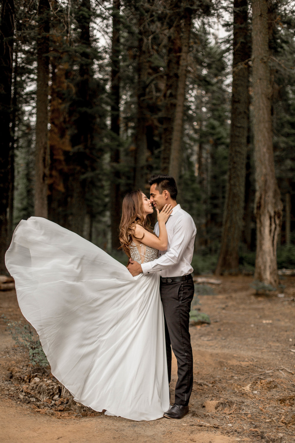 Nicole-Daacke-Photography-Yosemite-Aventurous-Elopement-Photographer-Photography-Authentic-Glam-Love-National-Parks-1165.jpg