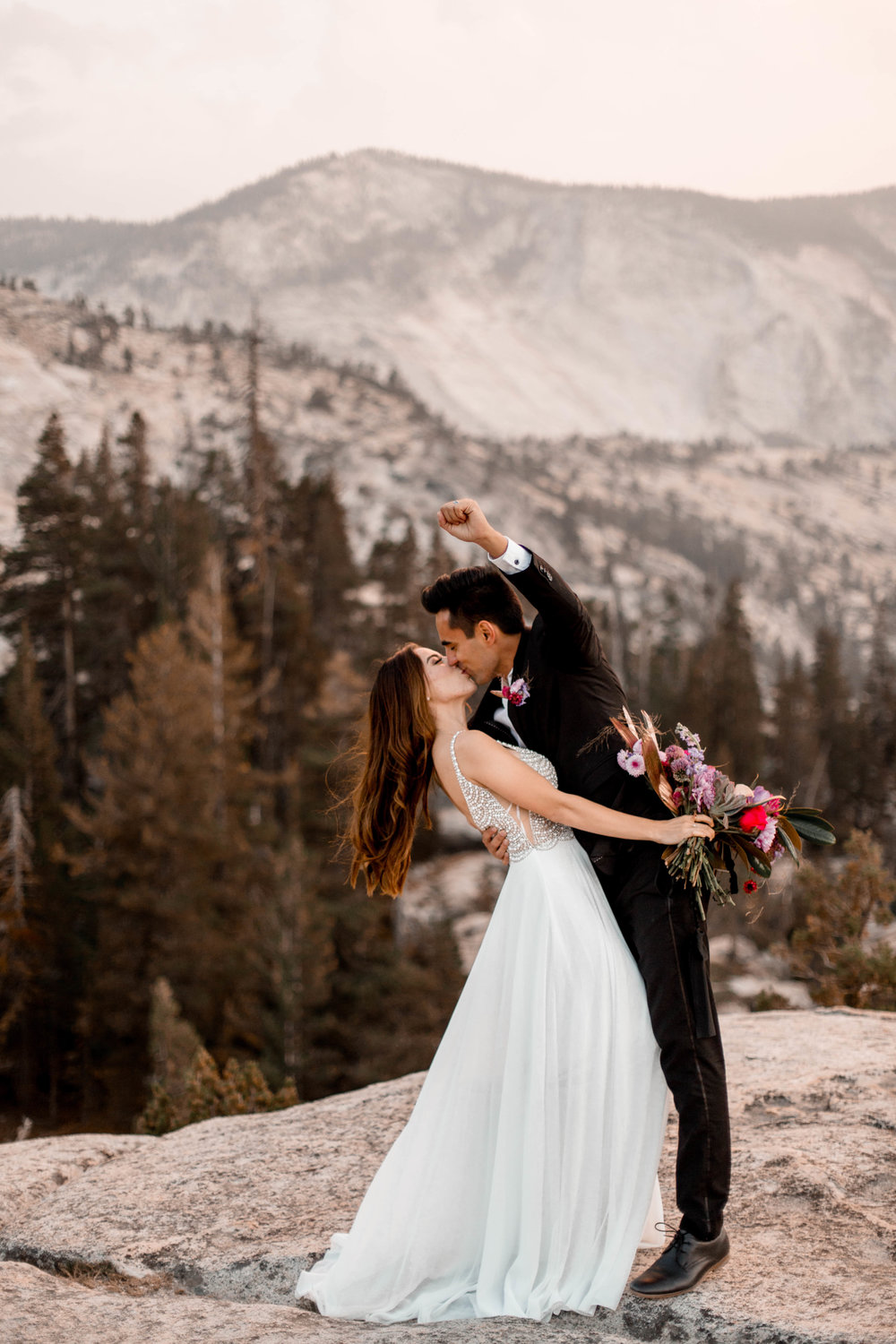 Nicole-Daacke-Photography-Yosemite-Aventurous-Elopement-Photographer-Photography-Authentic-Glam-Love-National-Parks-9.jpg