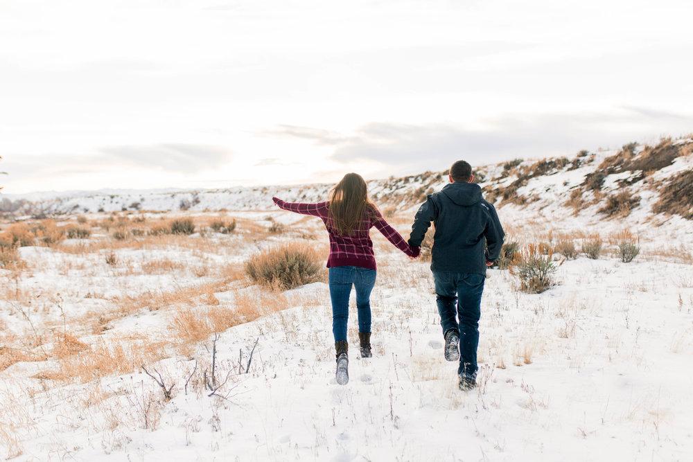 nicole-daacke-photography-grand-teton-elopement-grand-teton-wedding-national-park-wedding-adventure-wedding-adventurous-engagement-session-snowy-winter-inspiration-photographer-2.jpg