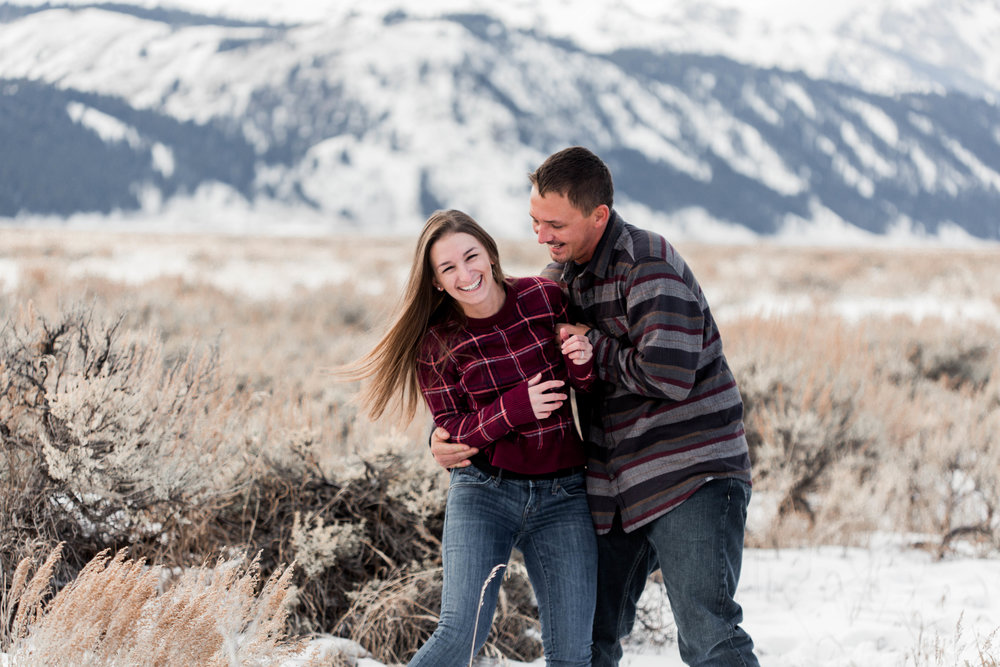 nicole-daacke-photography-grand-teton-elopement-grand-teton-wedding-national-park-wedding-adventure-wedding-adventurous-engagement-session-snowy-winter-inspiration-photographer-12.jpg