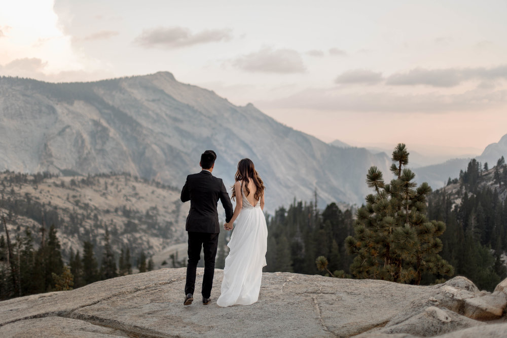 nicole-daacke-photography-yosemite-national-park-wedding-sunset-elopement-olmstead-point-yosemite-adventure-wedding-photographer-adventurous-elopement-destination-wedding-national-park-wedding-photography-1287.jpg