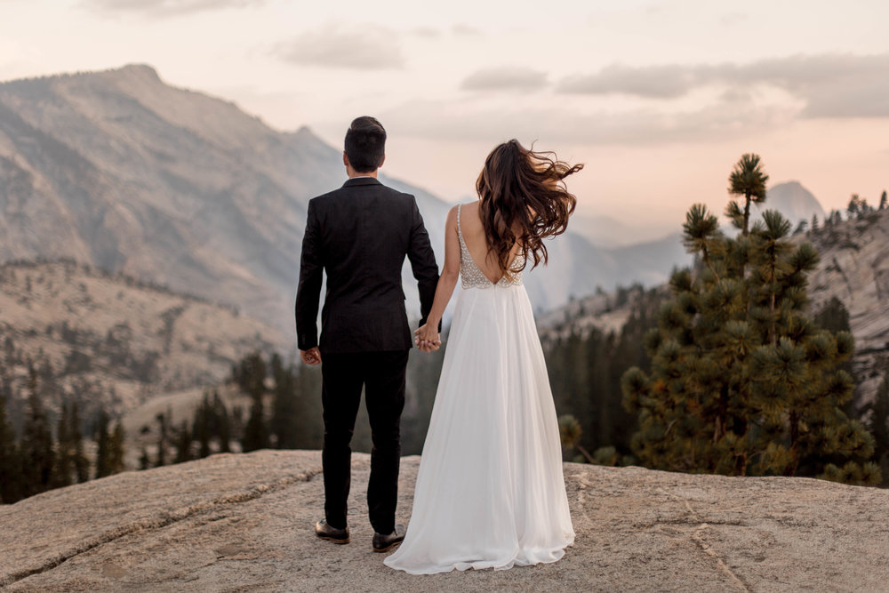 nicole-daacke-photography-yosemite-national-park-wedding-sunset-elopement-olmstead-point-yosemite-adventure-wedding-photographer-adventurous-elopement-destination-wedding-national-park-wedding-photography-1290.jpg
