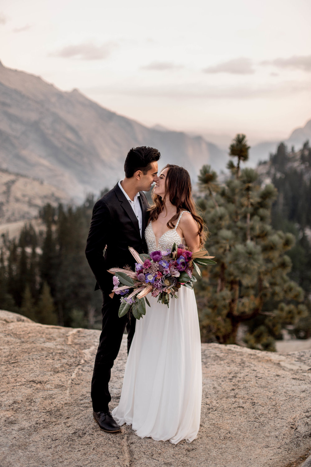 nicole-daacke-photography-yosemite-national-park-wedding-sunset-elopement-olmstead-point-yosemite-adventure-wedding-photographer-adventurous-elopement-destination-wedding-national-park-wedding-photography-1301.jpg