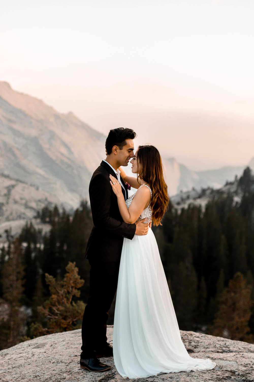 nicole-daacke-photography-yosemite-national-park-wedding-sunset-elopement-olmstead-point-yosemite-adventure-wedding-photographer-adventurous-elopement-destination-wedding-national-park-wedding-photography-1657.jpg
