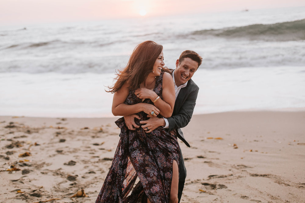 nicole-daacke-photography-big-sur-california-coast-adventure-engagement-photos-adventurous-elopement-intimate-wedding-photographer-golden-coastal-cali-engagement-session-28.jpg