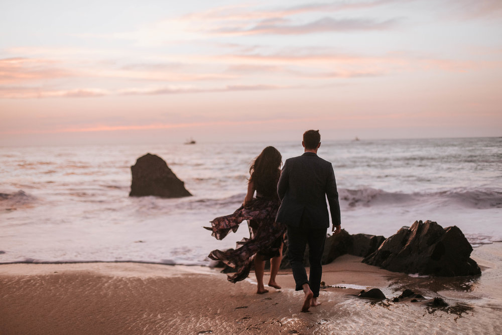 nicole-daacke-photography-big-sur-california-coast-adventure-engagement-photos-adventurous-elopement-intimate-wedding-photographer-golden-coastal-cali-engagement-session-33.jpg