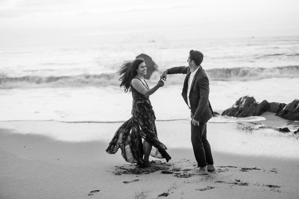 nicole-daacke-photography-big-sur-california-coast-adventure-engagement-photos-adventurous-elopement-intimate-wedding-photographer-golden-coastal-cali-engagement-session-31.jpg